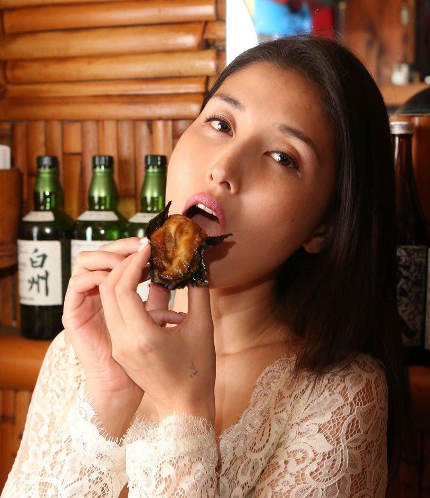 橋本マナミの食事顔 (9)