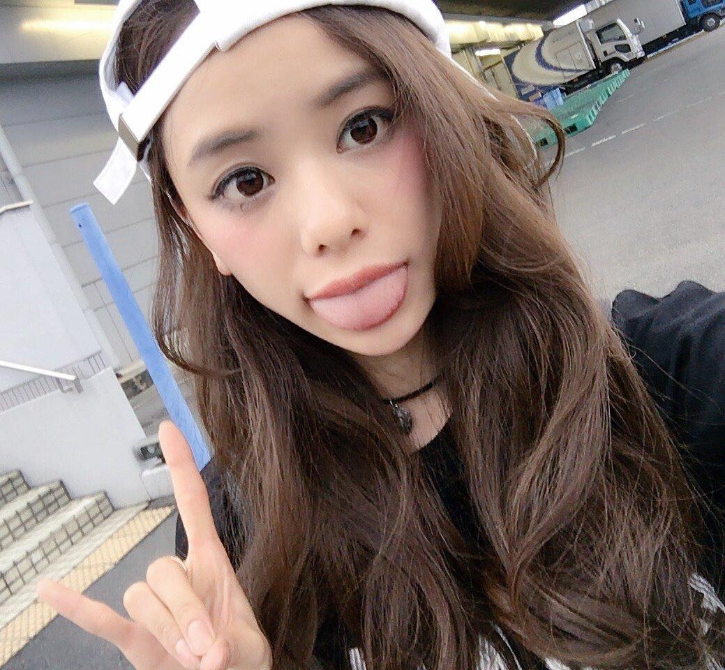 田中紗貴の幅広デカ舌 (3)