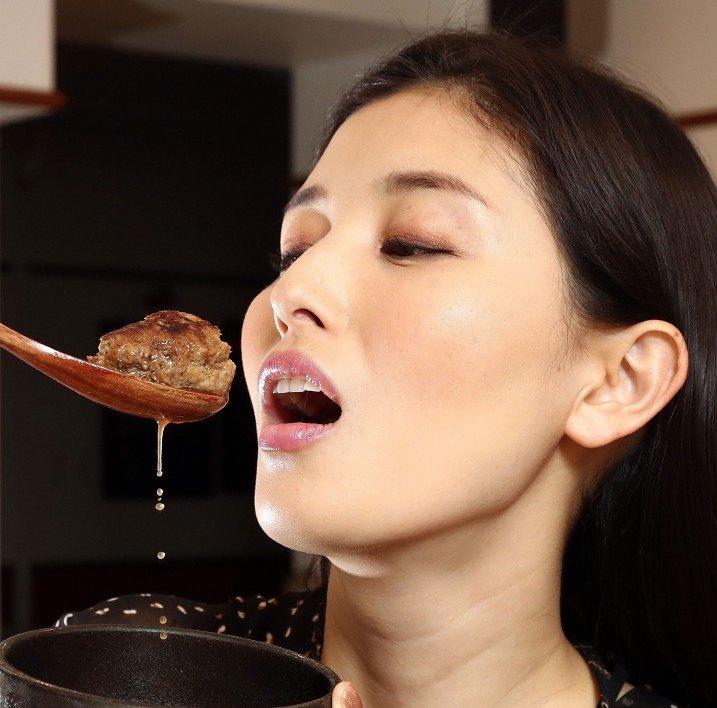 橋本マナミの食事顔 (5)
