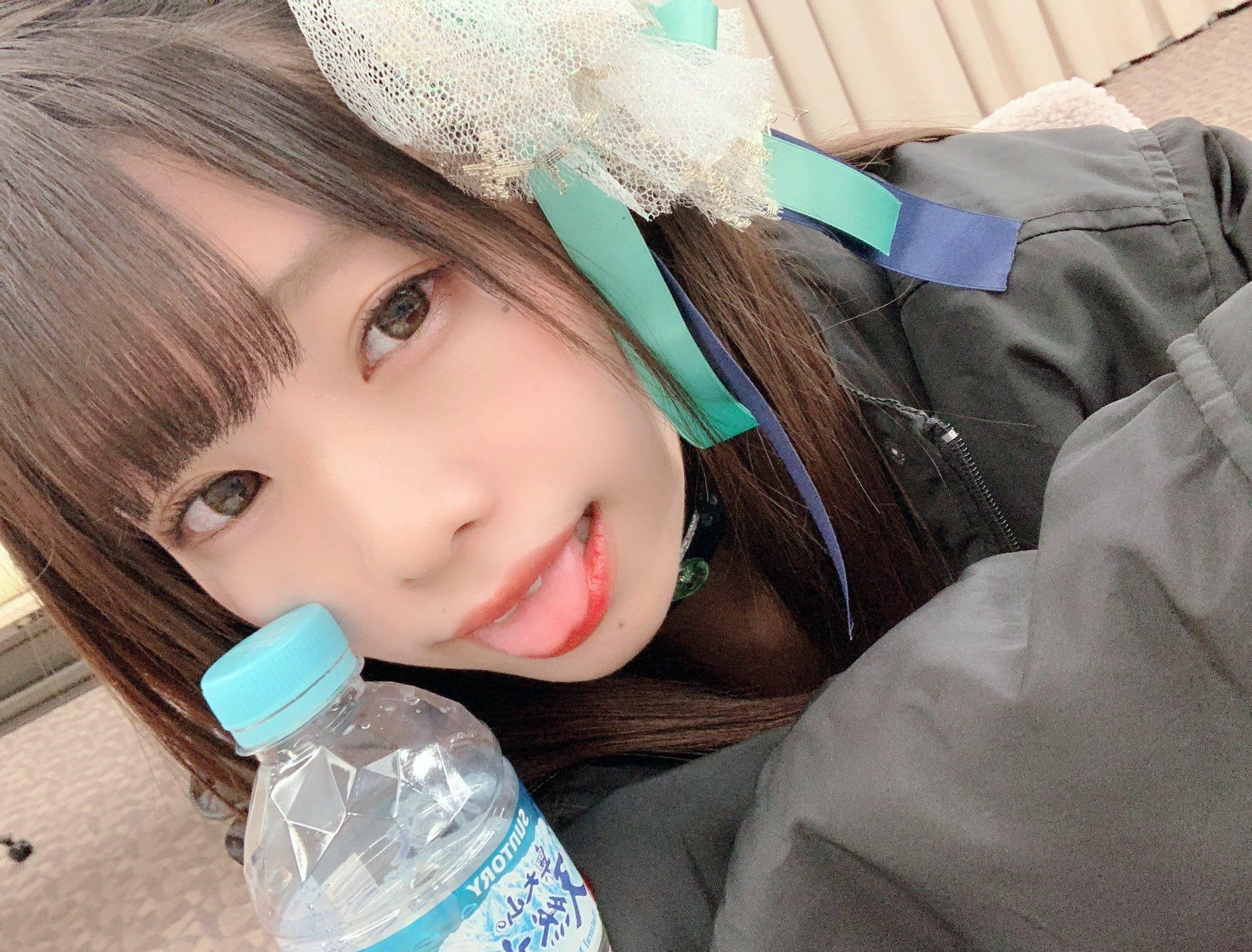 双葉凛乃のペロ舌出し (25)