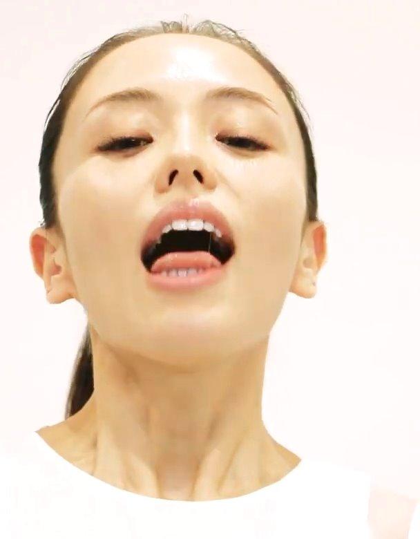 美人モデルの舌ヨガ講座 (2)