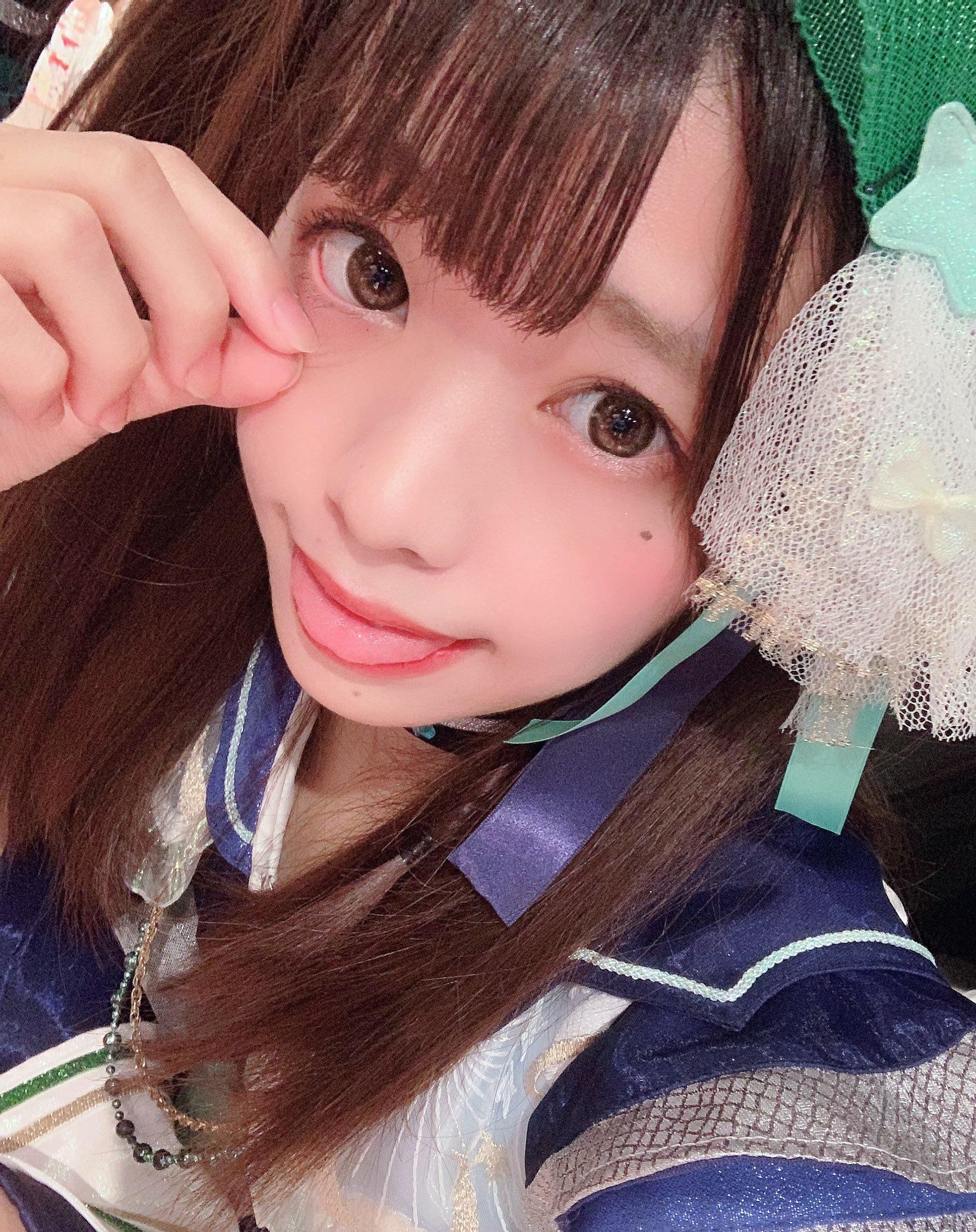 双葉凛乃のペロ舌出し (24)