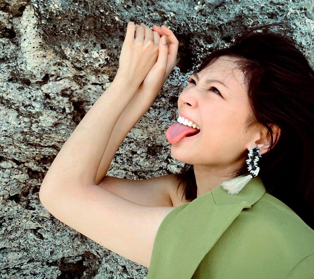 西内まりやの舌出し (5)