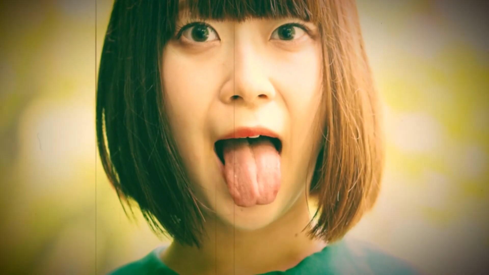 小森まなこの舌出し (2)