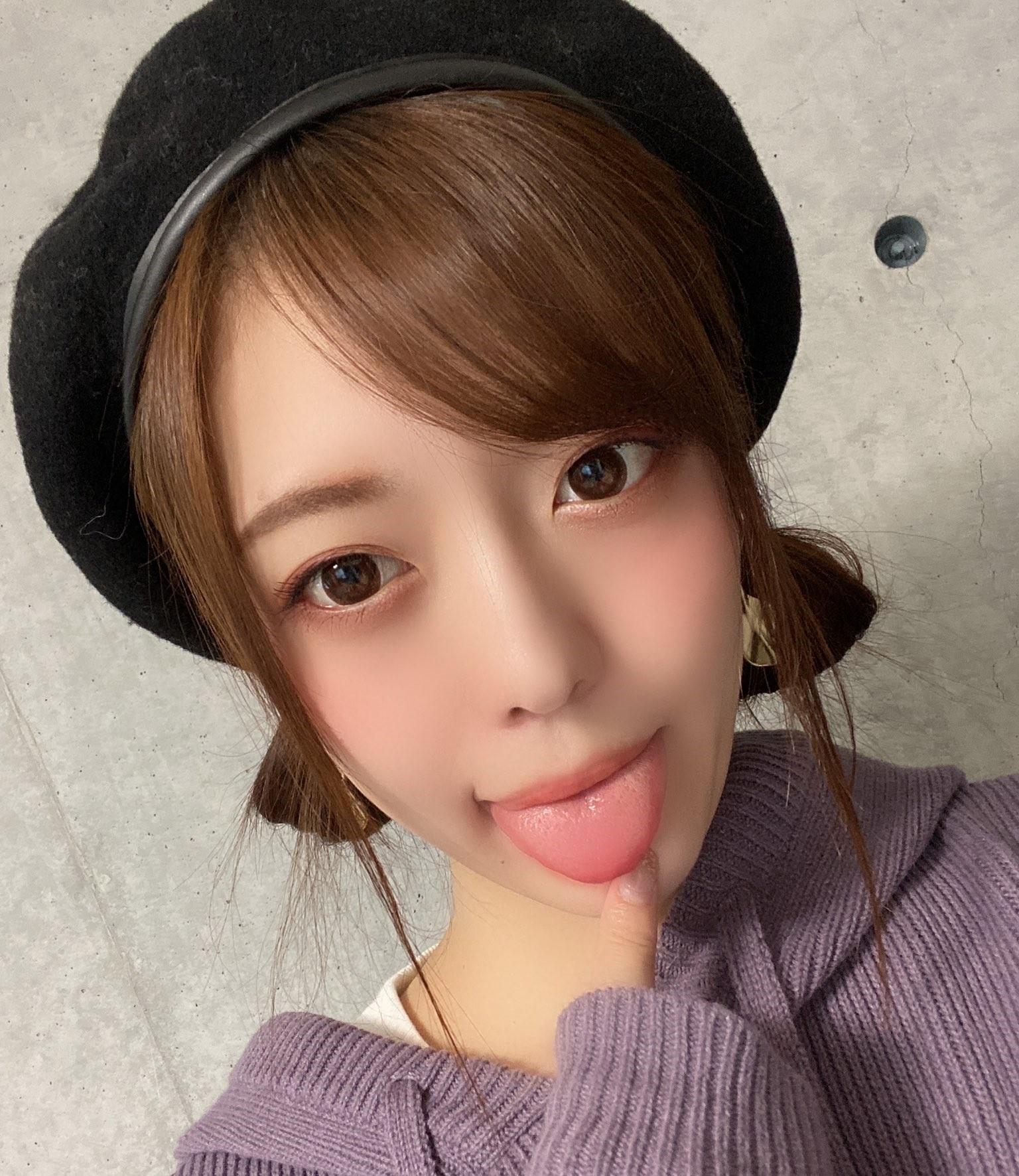七瀬いおりのぽってり舌 (10)