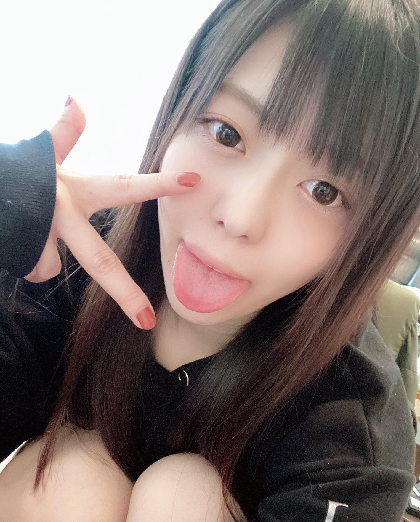七瀬いおりのぽってり舌 (6)