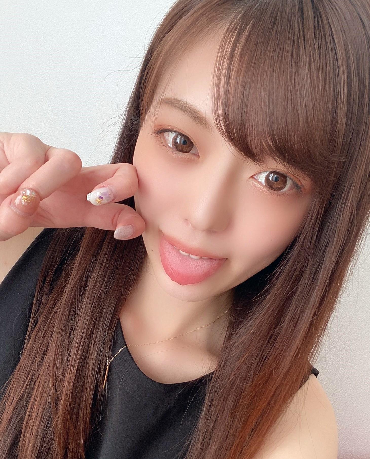 七瀬いおりのぽってり舌 (7)