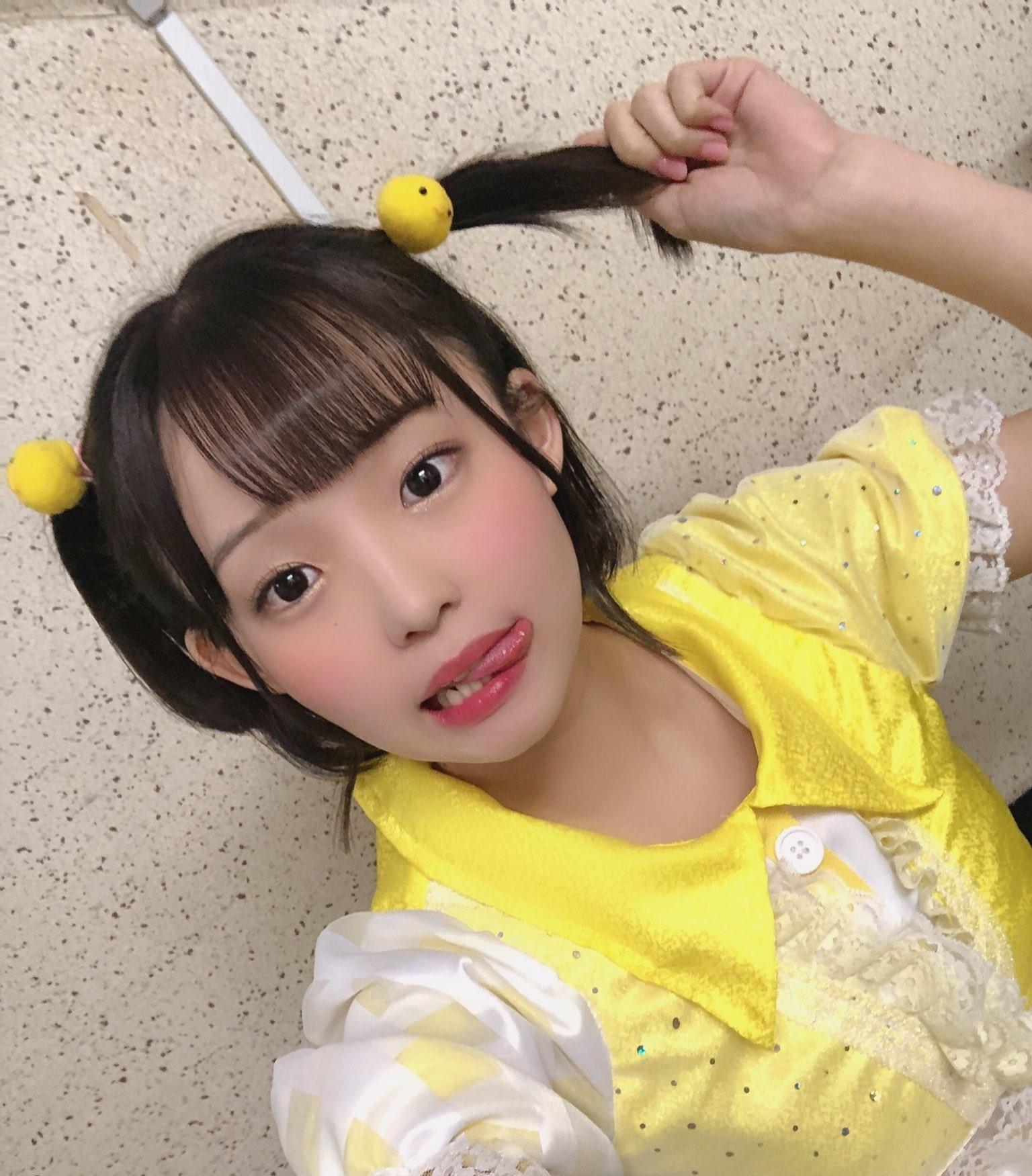 花咲ひよりの自撮り舌 (3)