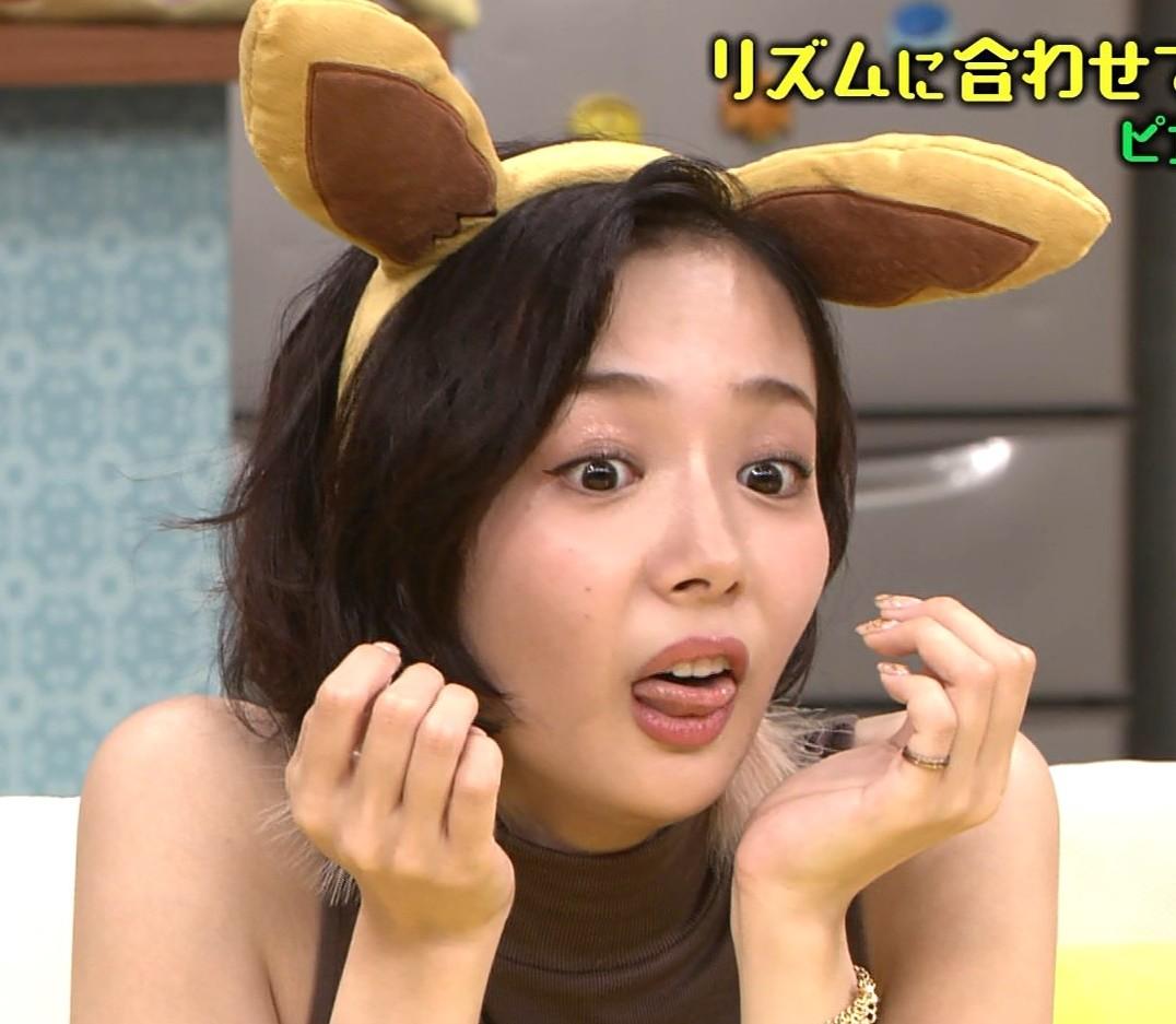 岡田紗佳の舌出し (6)