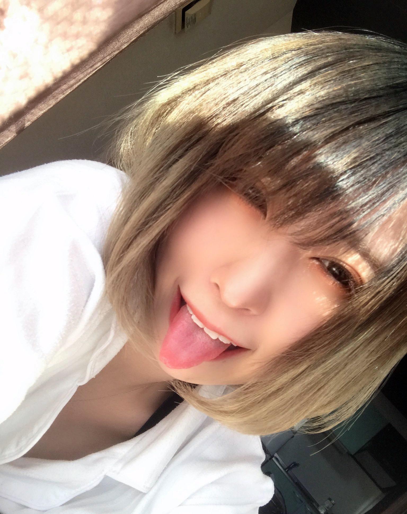 FaM・たわの舌出し (3)