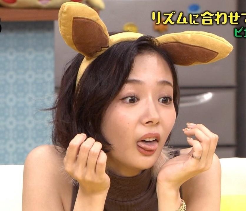 岡田紗佳の舌出し (7)