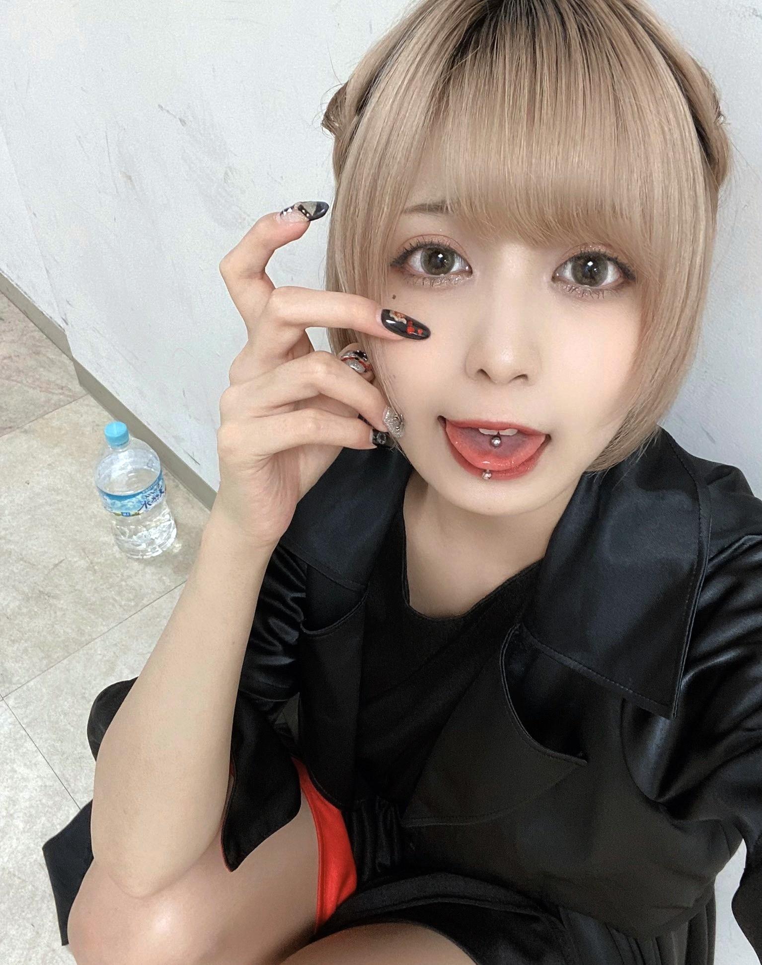 FaM・ゆめみーの舌出し (1)