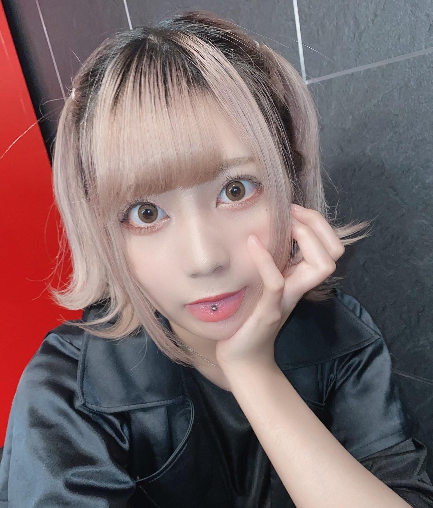 FaM・ゆめみーの舌出し (8)