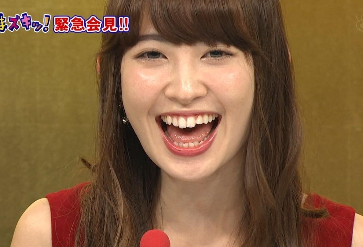 小嶋陽菜の開口舌見せ (2)