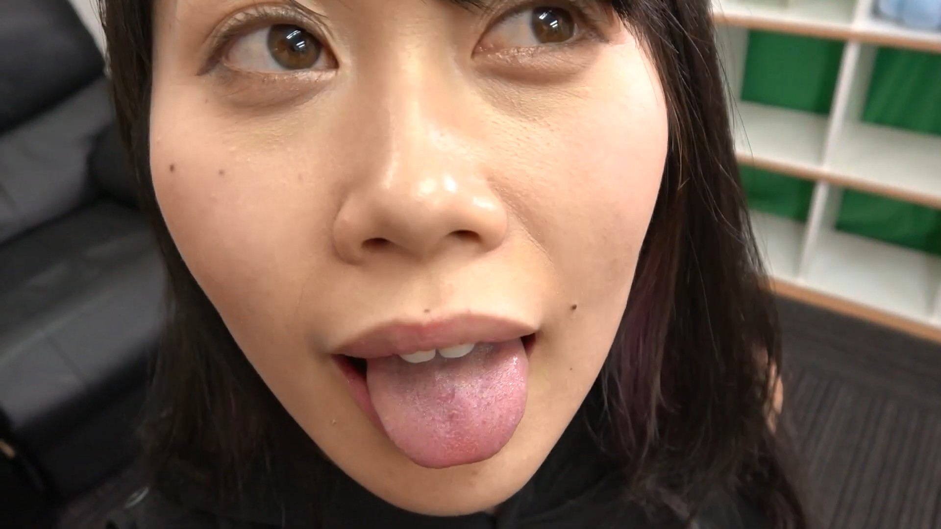 釘町みやびの舌接写 (6)