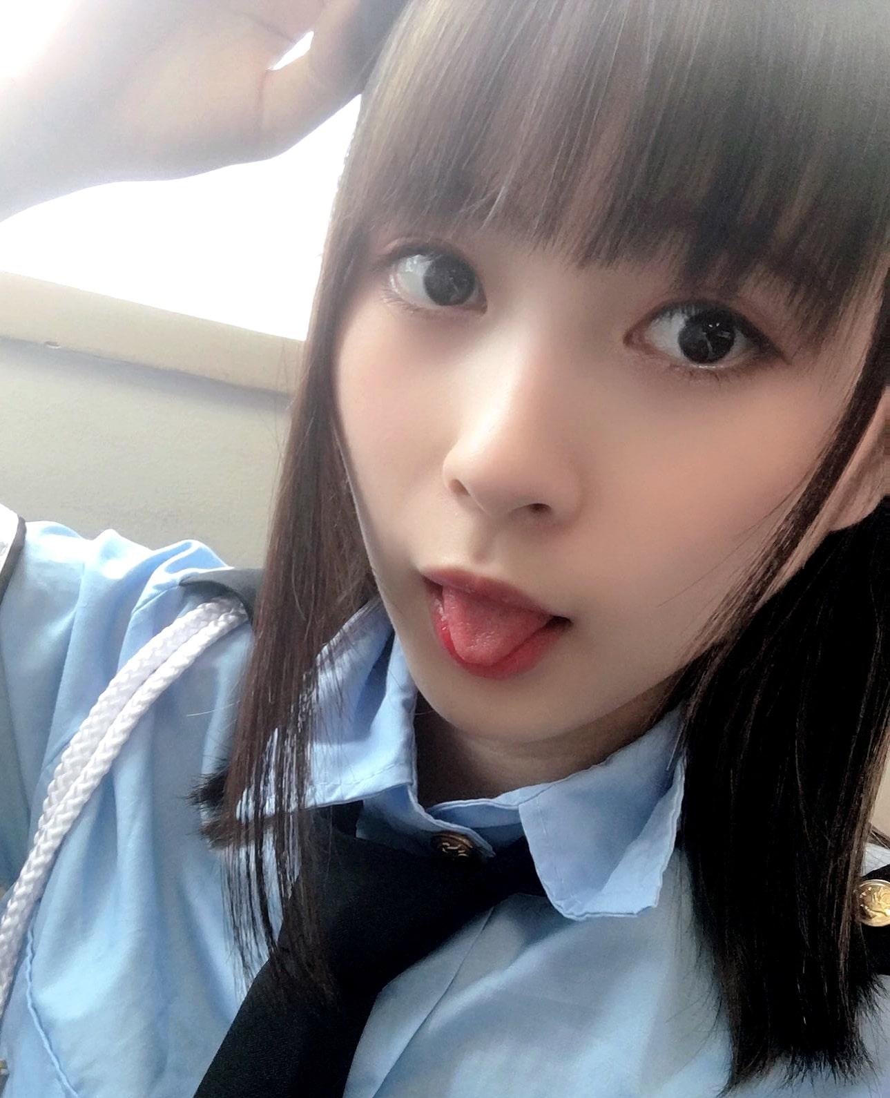 藤井優衣の舌出し (19)