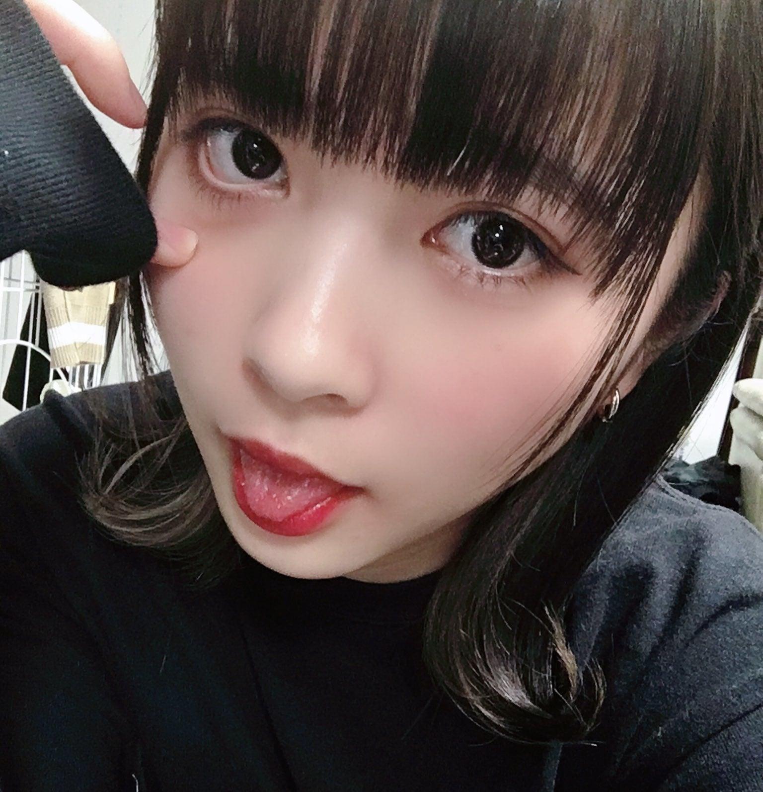 藤井優衣の舌出し (17)