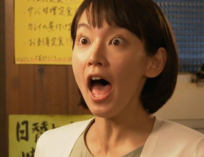 吉岡里帆の開口舌見せ (6)