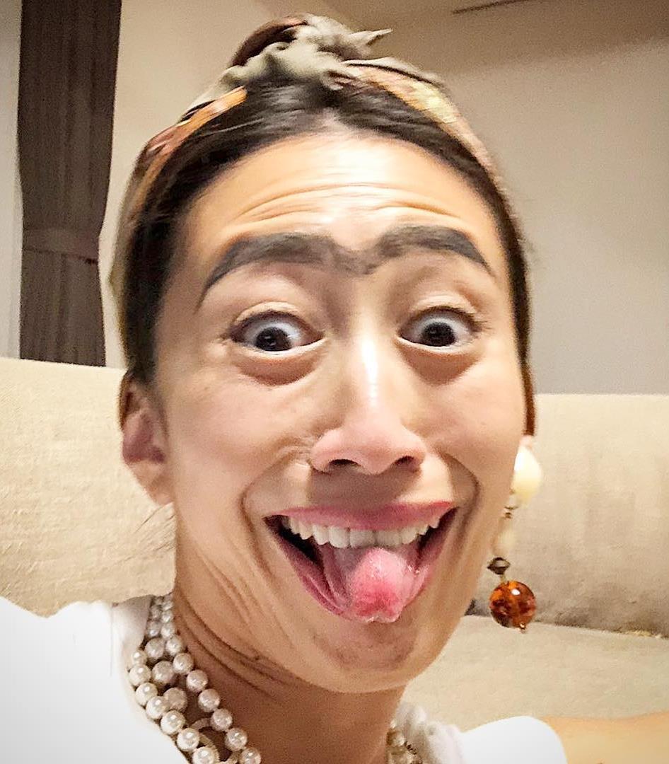 神山まりあの変顔舌出し (3)