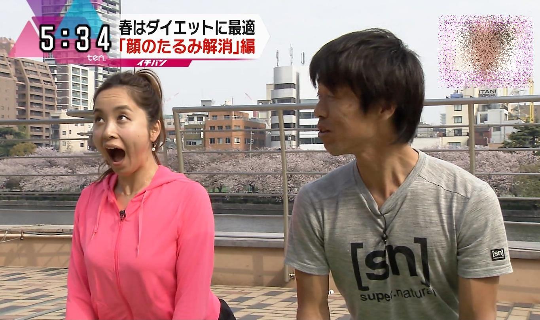 武田訓佳の舌出し (2)
